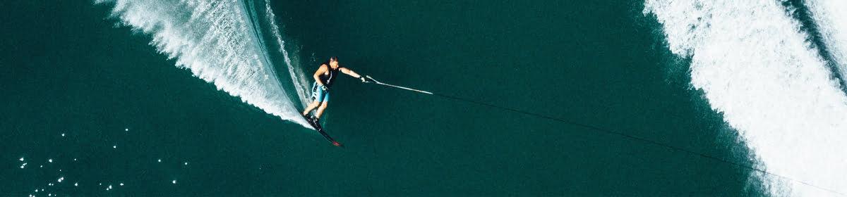 We teach Kitesurfing, Waterskiing, Wakeboarding, Slalom sking, Wakesurfing and Foiling.
