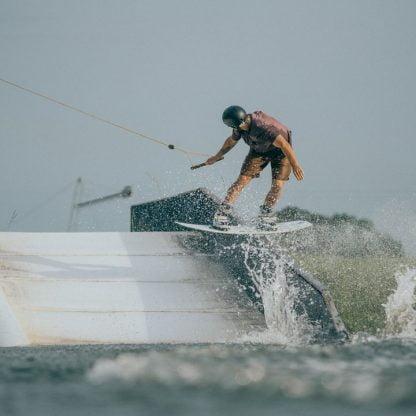 slingshot 2020 solo wakeboard - action